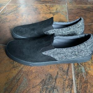 Old Navy Mixed Fabric Slip On Shoes for Men